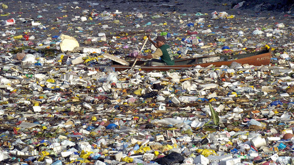 Plastic_beach_oil_machine_large